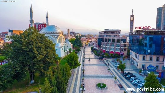 Shkoder Albania.JPG Ebubeker Mosque - Xhamia Ebu beker Shkoder